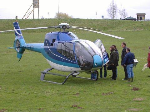 Helicopter voor de deur